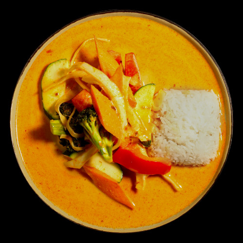42 VEGETABLE CURRY